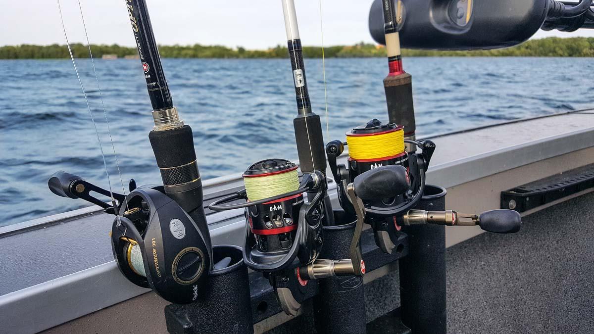 Angelrollen mit geflochtener Schnur eignen sich besonders für das aktive Raubfischangeln mit Natur- und Kunstködern. Foto: J. Pusch