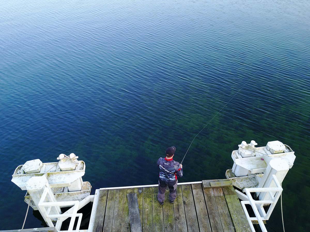 Top-Stellen fischen wir gezielt im Uhrzeigersinn ab. Wir starten mit den oberen Wasserschichten und arbeiten uns danach zum Grund vor. Foto: J. Pusch