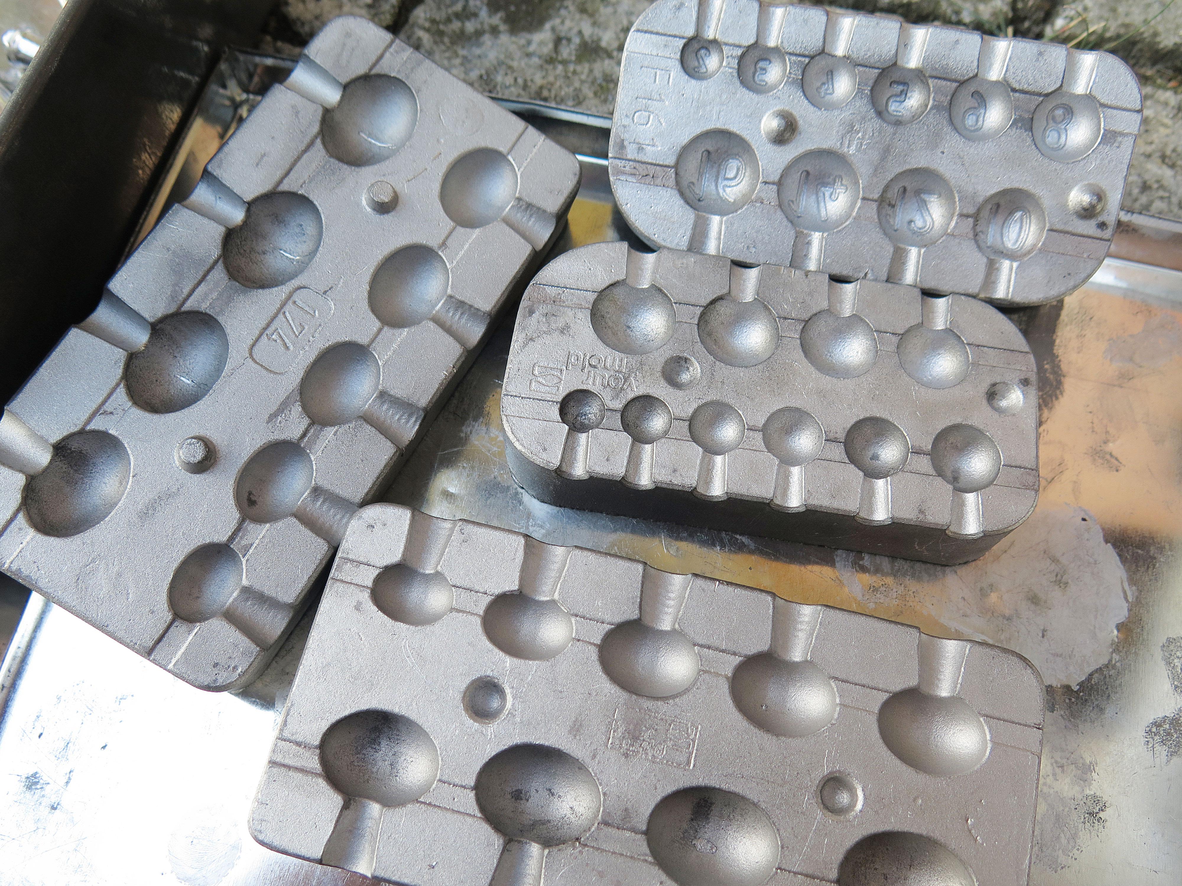Die Gussformen gibt es unter anderem auf www.bleigussformen-shop.de. Foto: AngelWoche/R.Schwarzer