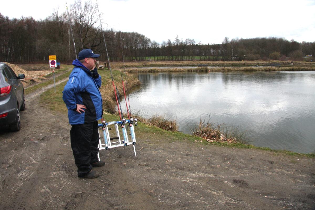 Der erste Blick aufs neue Gewässer. Wo und wie soll man hier Forellen fangen? Foto: G. Bradler