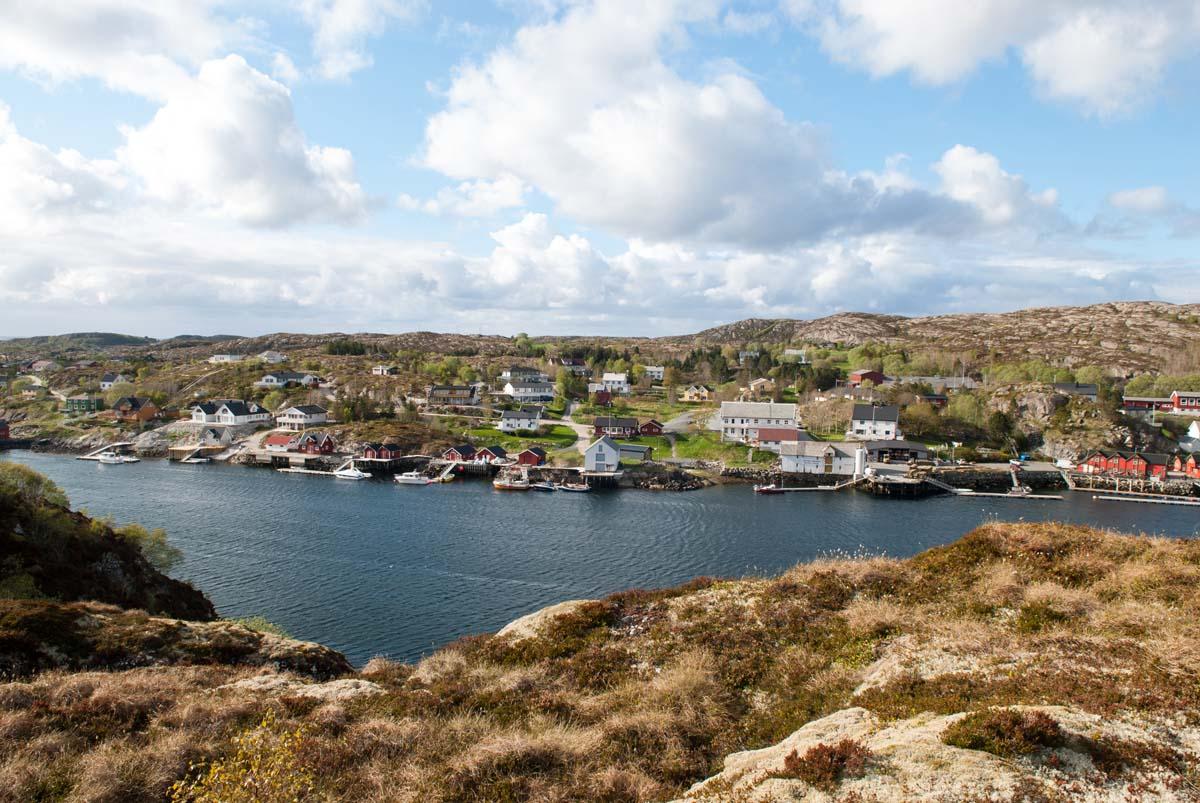 Der Knarrlagsund trennt die Inselchen Ulvøya und Fjellværøya. Manchmal ziehen da sogar Schwertwale durch! Foto: R. Korn