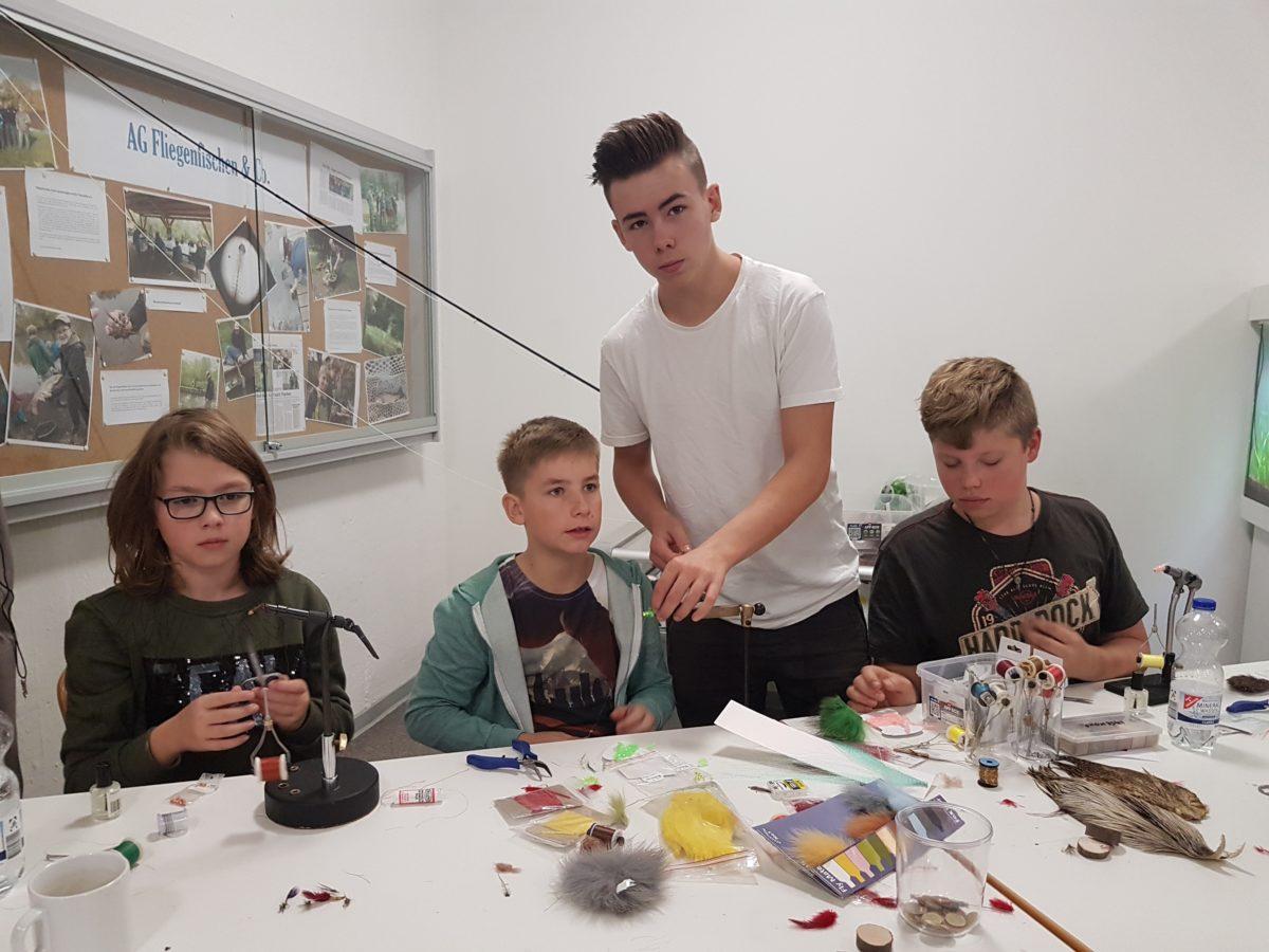 Stefanie Löffler hat an der Gesamtschule Fuldatal Fliegenfischen als Schul-AG gestartet.