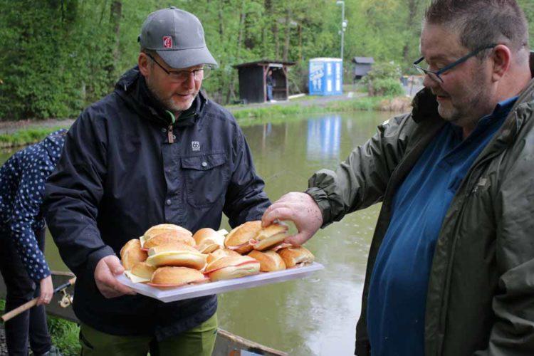 Für die Verpflegung der Teilnehmer kümmerte sich Chefredakteur Lars Berding persönlich.