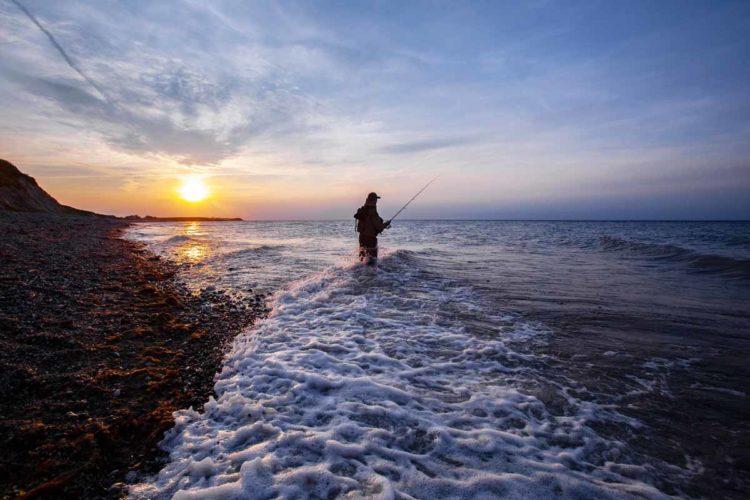 Beim Angeln in Dänemark erwarten die Urlauber schöne Strände, viel Fisch und tolle Sonnenuntergänge. Foto: M.Wendt