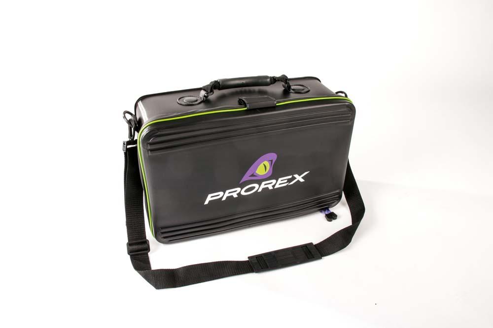 Das Material der XL-Ködertasche von Prorex ist extrem robust, wasserdicht und leicht zu säubern.