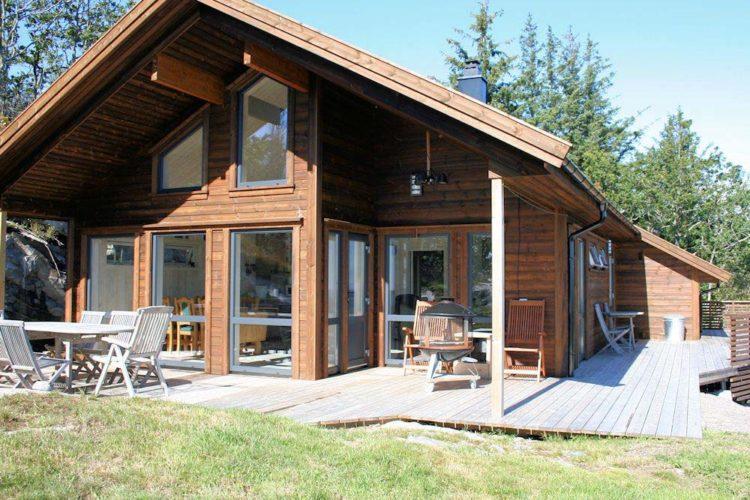 Das Ferienhaus wurde neu erbaut und ist mit allen ausgestattet, was man für einen gelungenen Angelurlaub benötigt.
