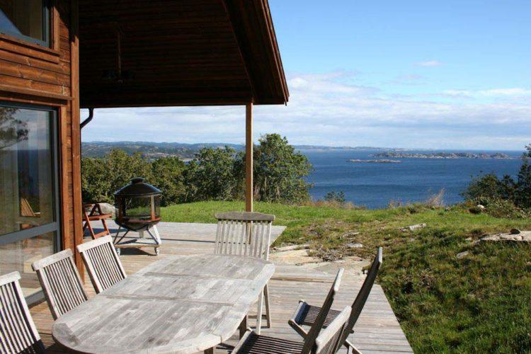 Umgeben von Schären und kleinen Fjorden bietet der Angelurlaub in Høyland am Südkap reichlich Angelmöglichkeiten - selbst dann noch, wenn es draußen auf See mal ein wenig rauer zugehen sollte.
