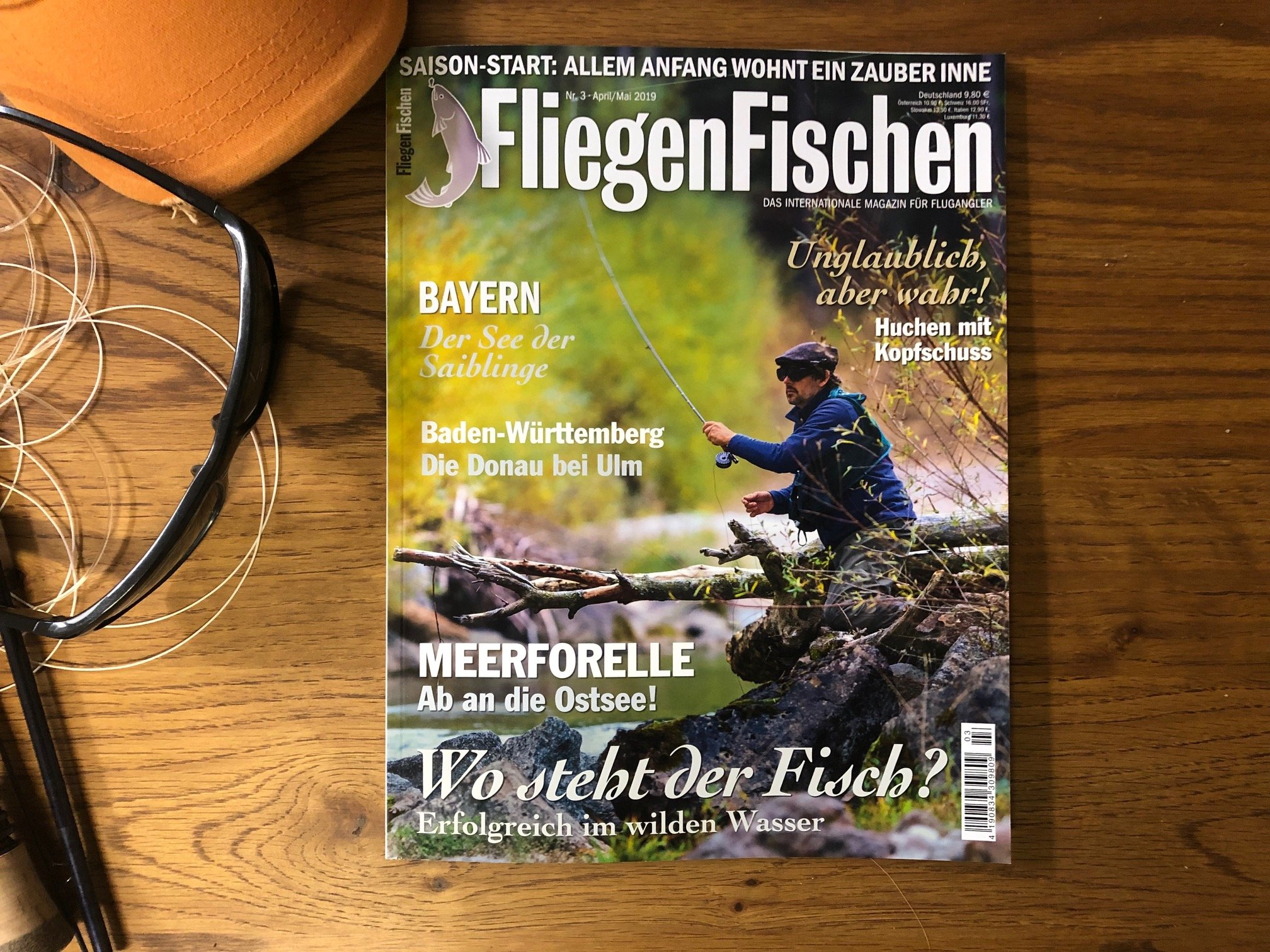 In FliegenFischen 3-19 lesen Sie mehr zum Thema Fliegenfischen im Wildwasser von Roman Moser und andere spannende Themen.