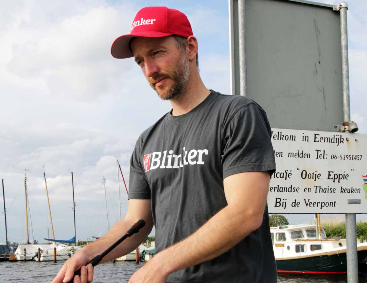 Für den modernen Angler: Das BLINKER Angler T-Shirt ist der perfekte Begleiter beim Angeln.