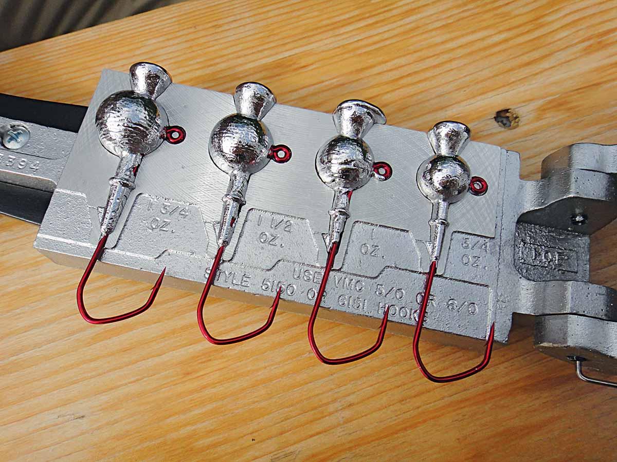 Schon nach wenigen Sekunden kann man die Gussform öffnen. Vorsicht, die Köpfe sind dann noch verdammt heiß! Foto: AngelWoche/F.Schlichting