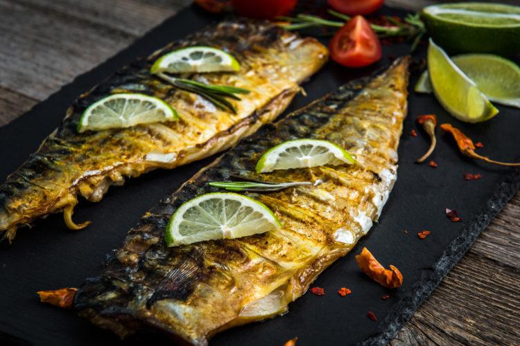 Makrele braten ist eine raffinierte Zubereitung, die den Brotfisch der Nordsee zu einem Festessen aufwertet!