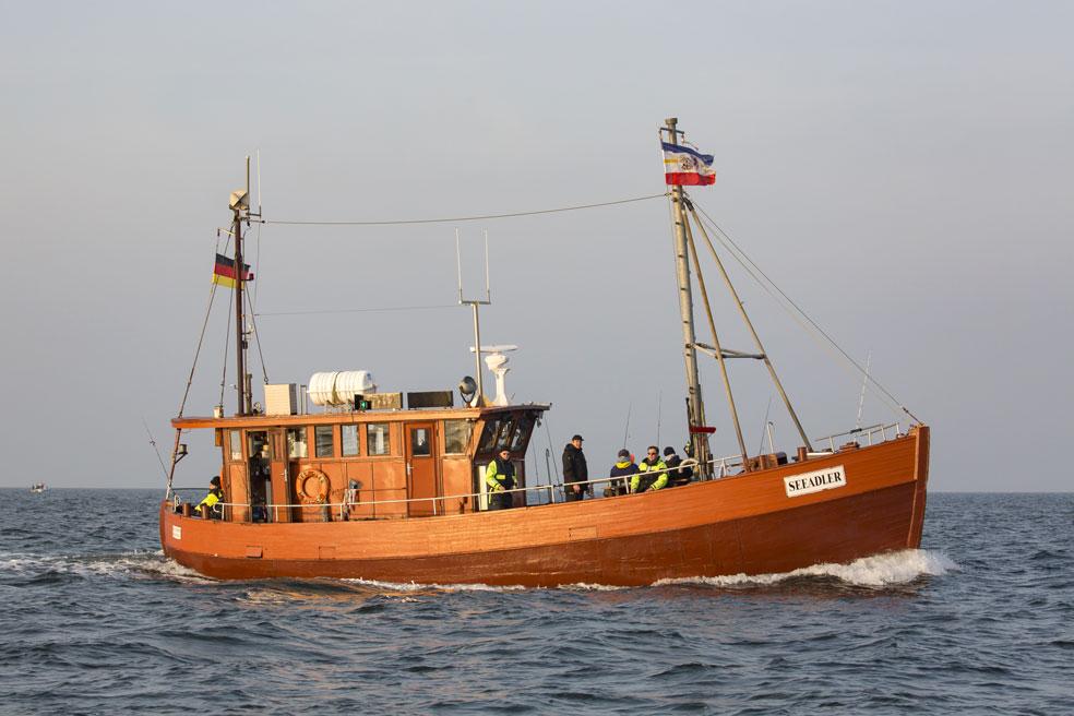 Zahlreiche traditionelle Fischkutter bieten in Mecklenburg-Vorpommern Hochseeangel-Touren an. In der oben stehenden Karte findet Ihr dazu die Startpunkte der Kutterausfahrten.