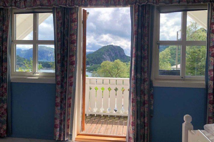 Den Fjord und die tolle Landschaft direkt vor der Haustür: das ist bei Eurem Angelurlaub am Høgsfjord möglich.
