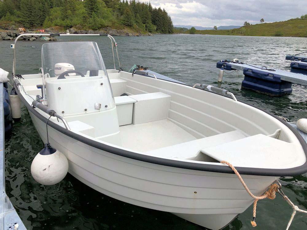 Dieses Angelboot ist bei der Anmietung des Ferienhauses inklusive.
