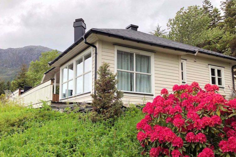 Das Ferienhaus liegt abgeschieden und ruhig inmitten der beeindruckenden Natur.