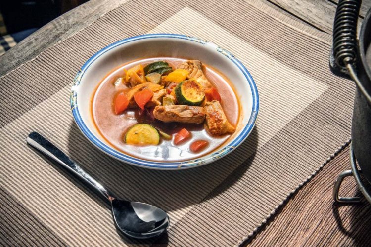 Fischsoljanka - eine so leckere Fischsuppe schmeckt zu allen Tages- und Jahreszeiten.