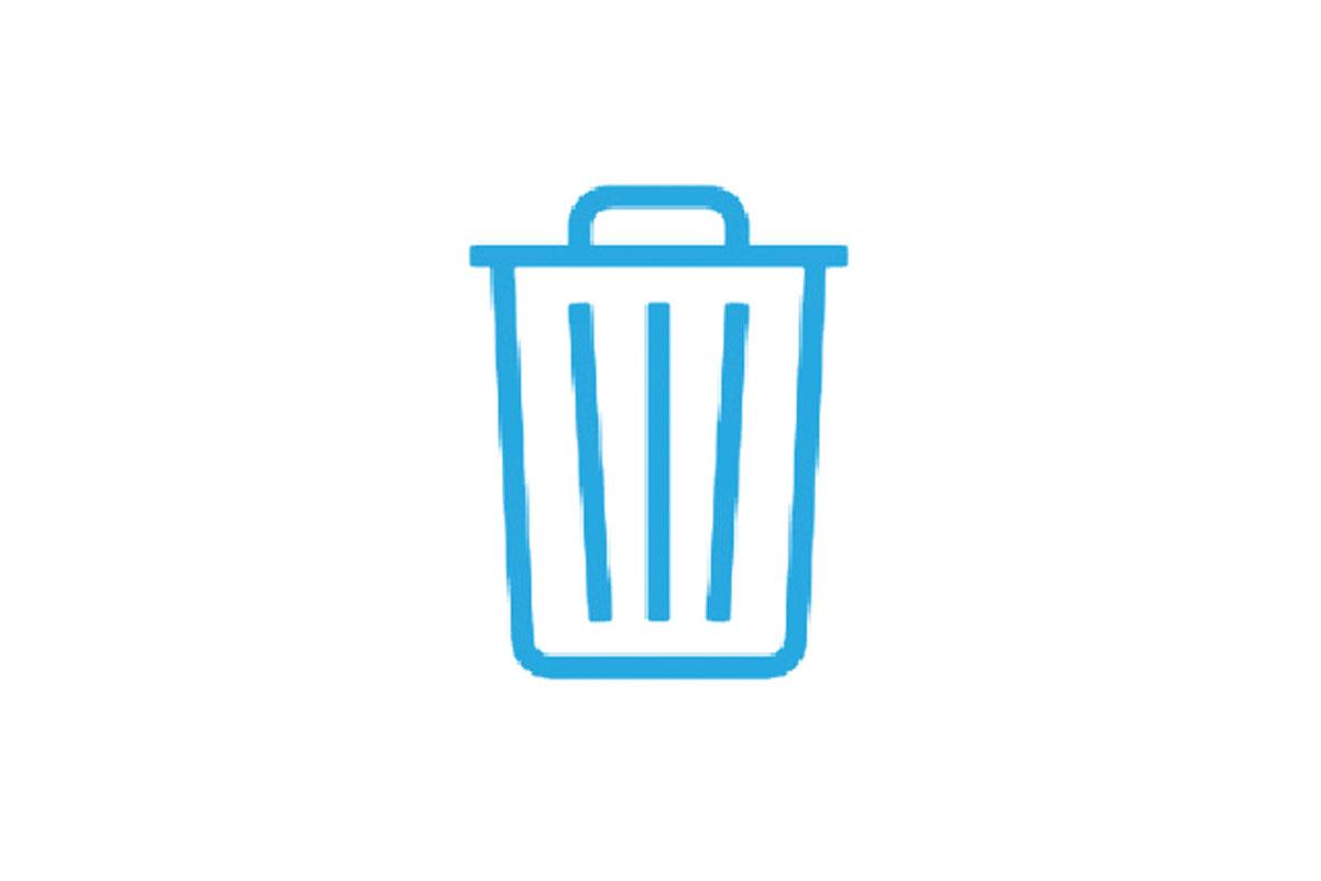 Gemeinsam Müll sammeln bei der Gewässerreinigung.