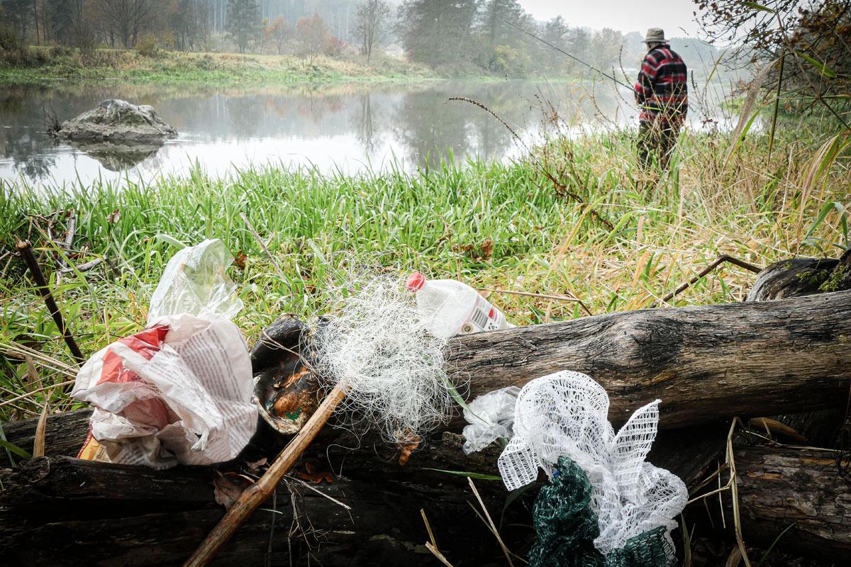 Geht Müll sammeln und werdet Gewässerverbesserer, damit Bilder wie dieses bald der Vergangenheit angehören! Foto: E.Hartwich