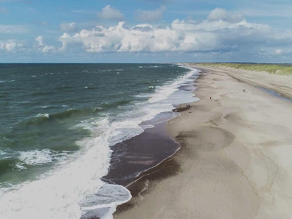 Die Nordsee vor Hvide Sande ist das perfekte Fleckchen Erde, um dem hektischen Alltag zu entkommen. Foto: BLINKER