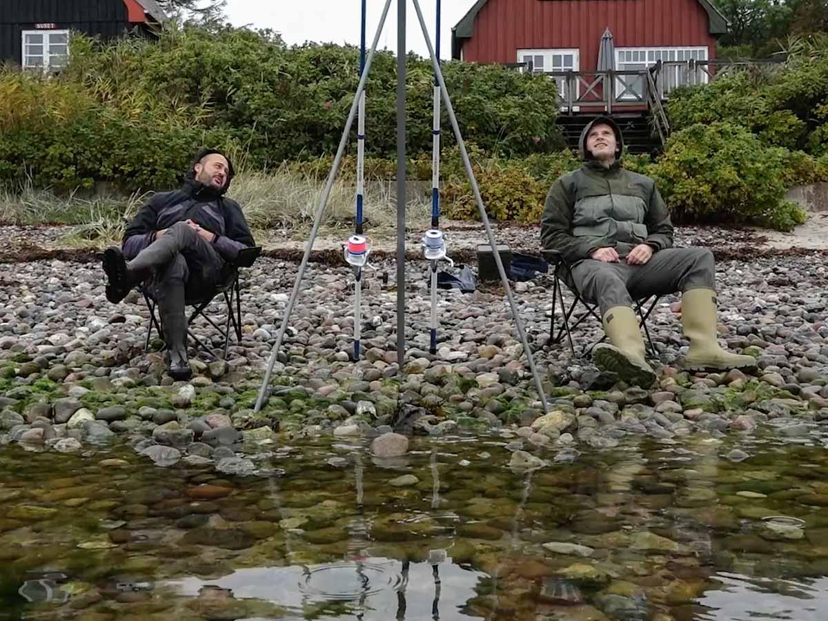 Beim Angeln im Süden Dänemarks kann man es beim Brandungsangeln auch gemütlich angehen lassen. Foto: Blinker