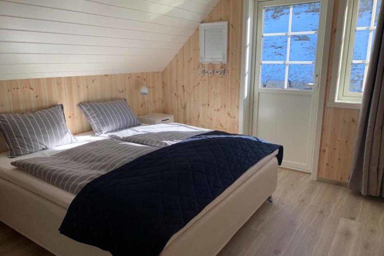 Die Schlafzimmer sind modern eingerichtet. Hier kann man wunderbar Kraft für den nächsten Angeltag tanken. Foto: Borks