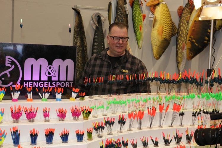 Posen in allen möglichen Formen gab es von Michael Meyer am Stand von M&M Hengelsport.