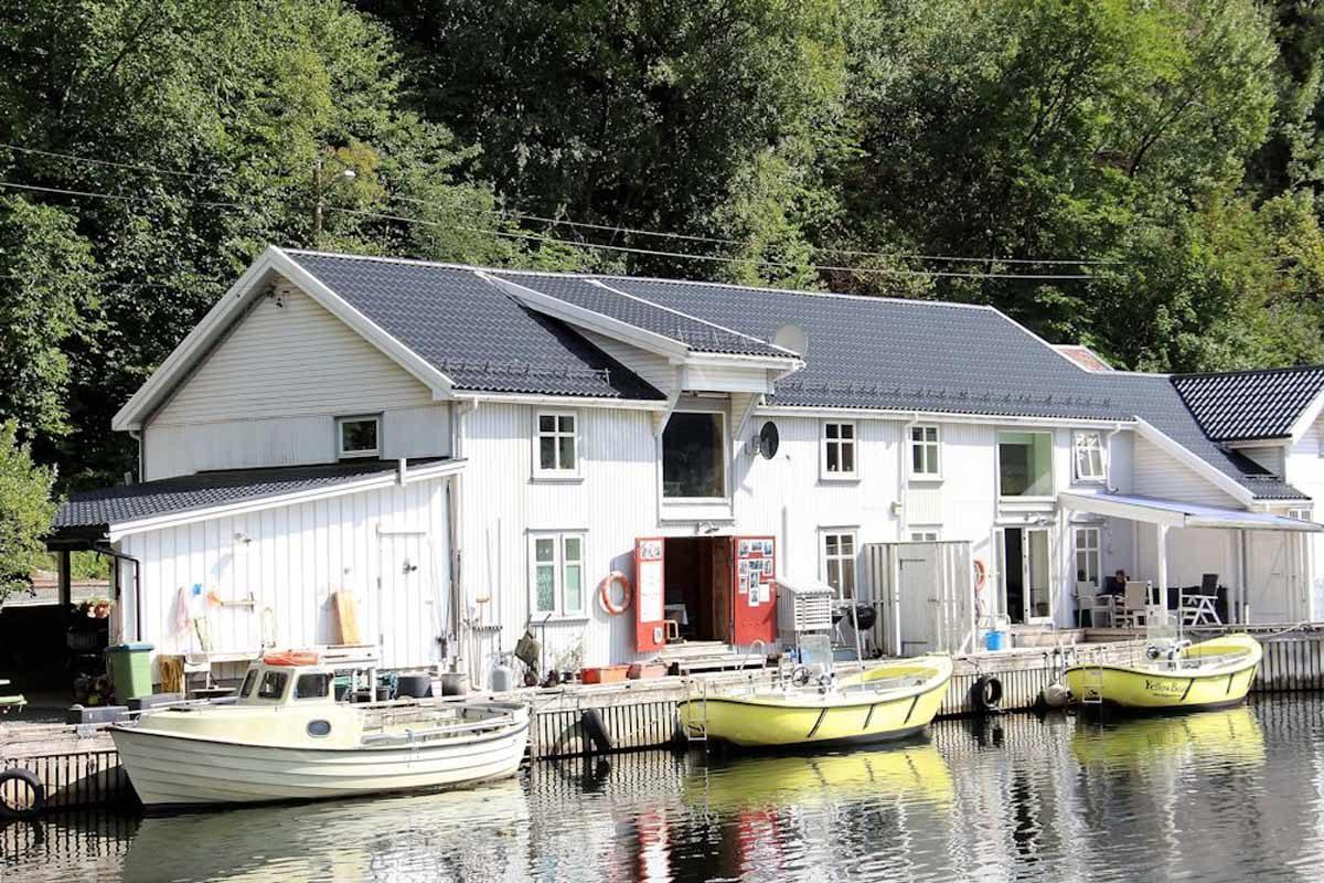 Das gemütliche Ferienhaus hat ein maritimes Flair – perfekt für den Angelurlaub am Rekefjord! Foto: Borks
