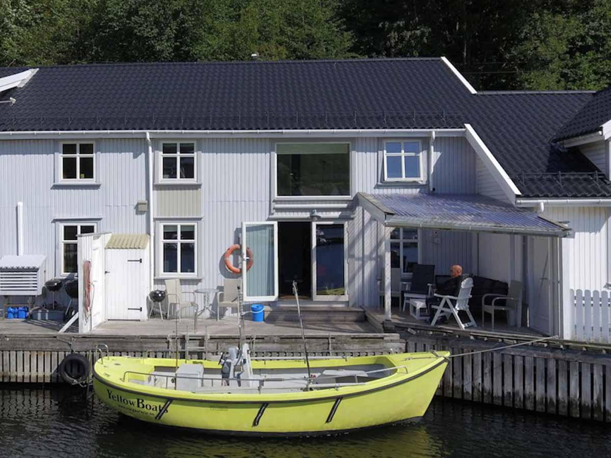 Das Angelboot liegt wirklich direkt vor der Haustür! So ist es sehr schnell beladen, und Sie haben noch mehr Zeit zum Angeln! Foto: Borks