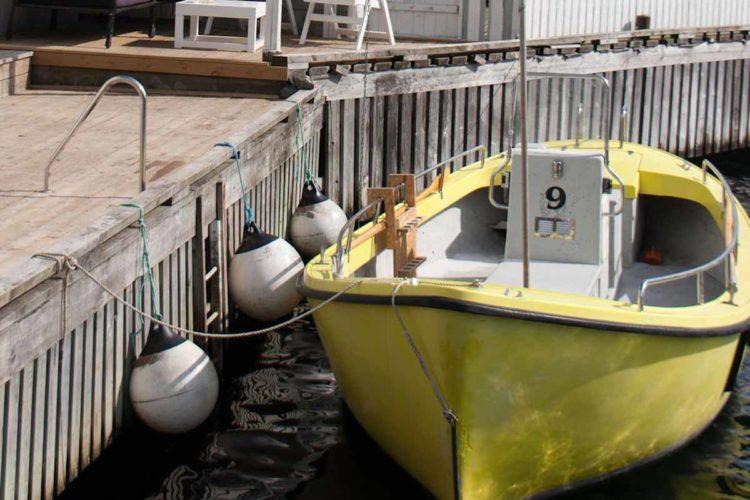 Das große Angelboot ist mit einem Echolot ausgestattet. Foto: Borks