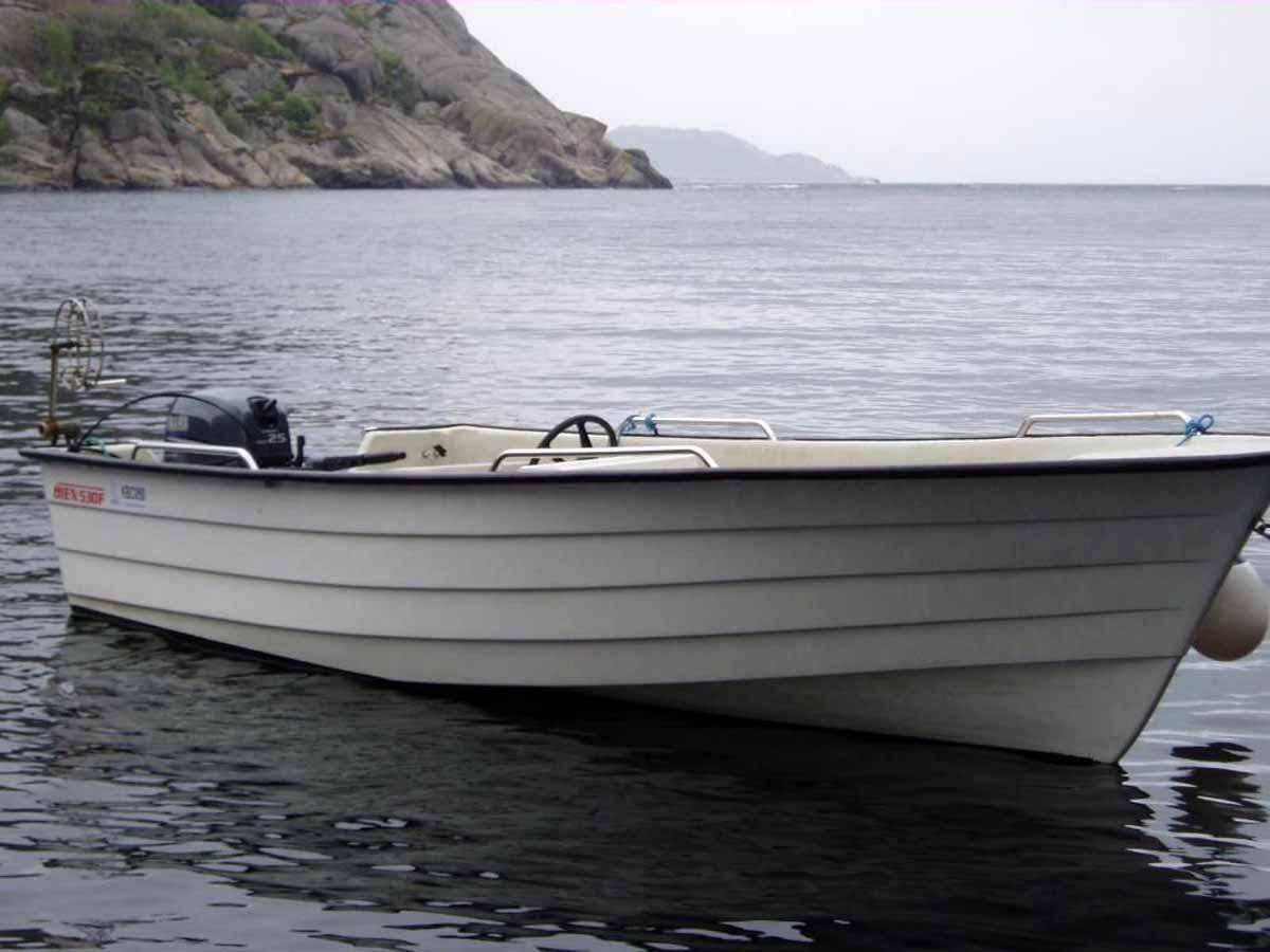 Mit dem 40 PS starken Boot erreichen sie viele spannende Hot-Spots. Foto: Borks