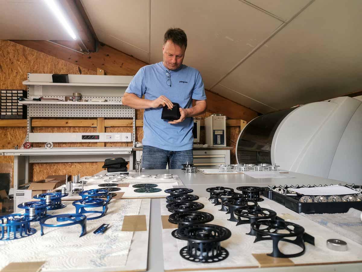Ein Chef, der mit anpackt: Wenn am Wochenende mal gearbeitet werden muss, ist Ralf Vosseler selbst immer mit dabei.