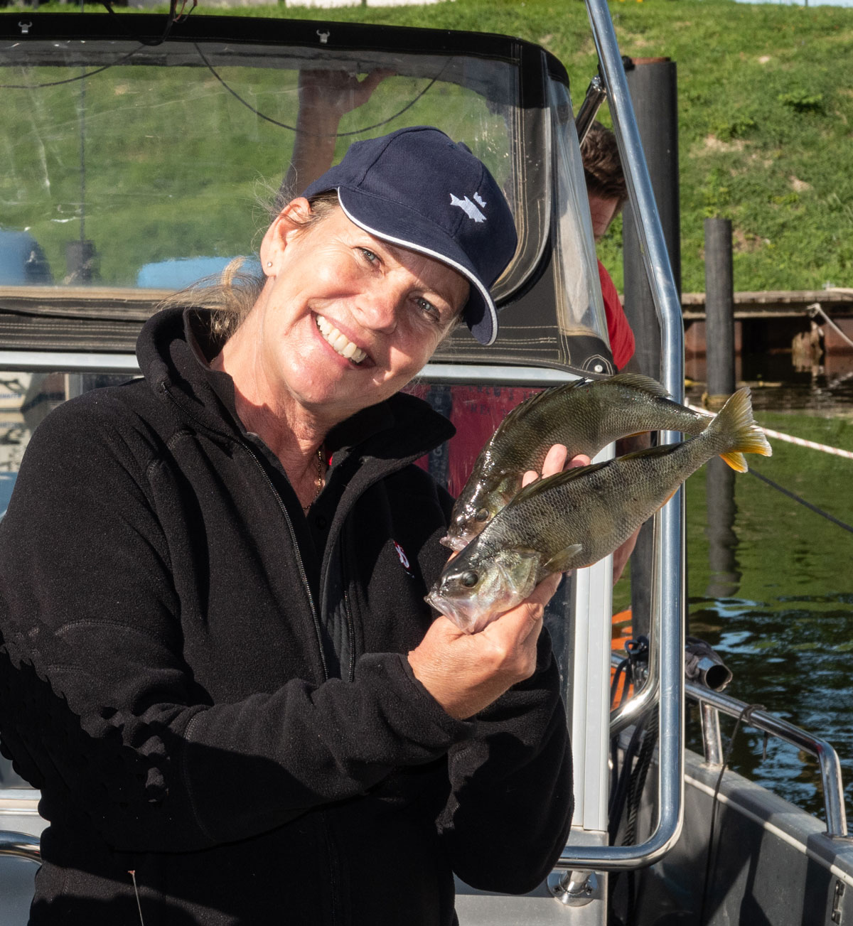 Leidenschaftliche Anglerin und Naturliebhaberin: TV-Schauspielerin Anja Schüte. Foto: R. Korn