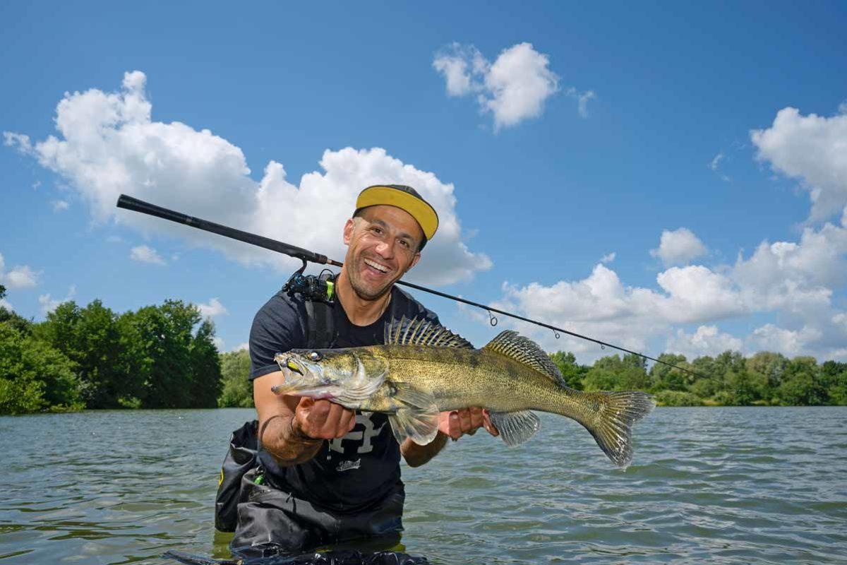 Im Stillwasser sind die Fische häufig größer als im Fluss. Den Angler freut's!