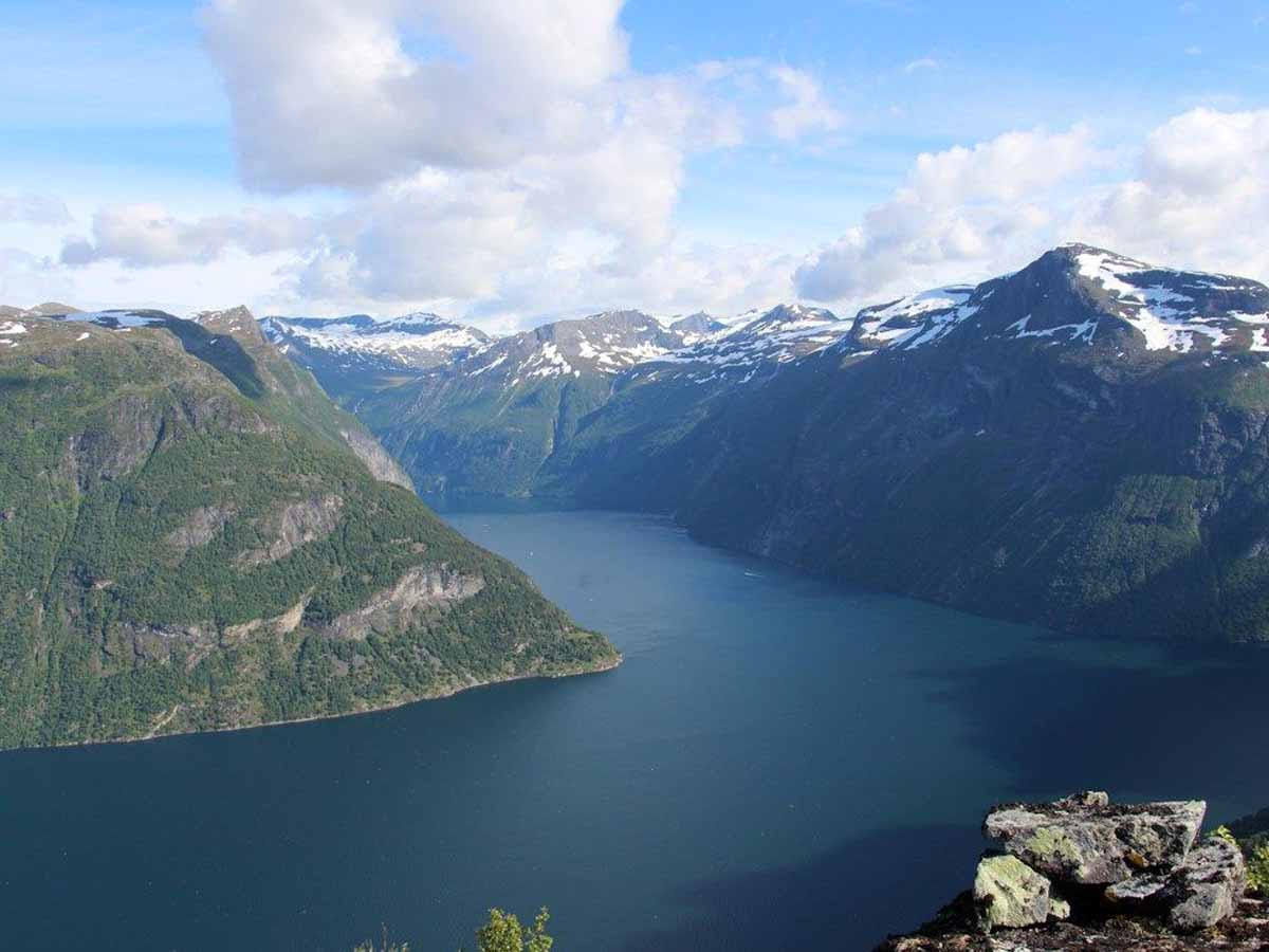 Der Geirangerfjord vereint malerische Natur mit ausgezeichneten Fischgründen. Foto: BORKS