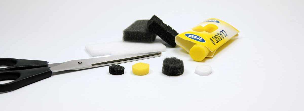 Schaumstoff mit unterschiedlicher Porung erlaubt die Verwendung aller Arten von Lockstoff, von zäh bis flüssig. Foto: J. Radtke