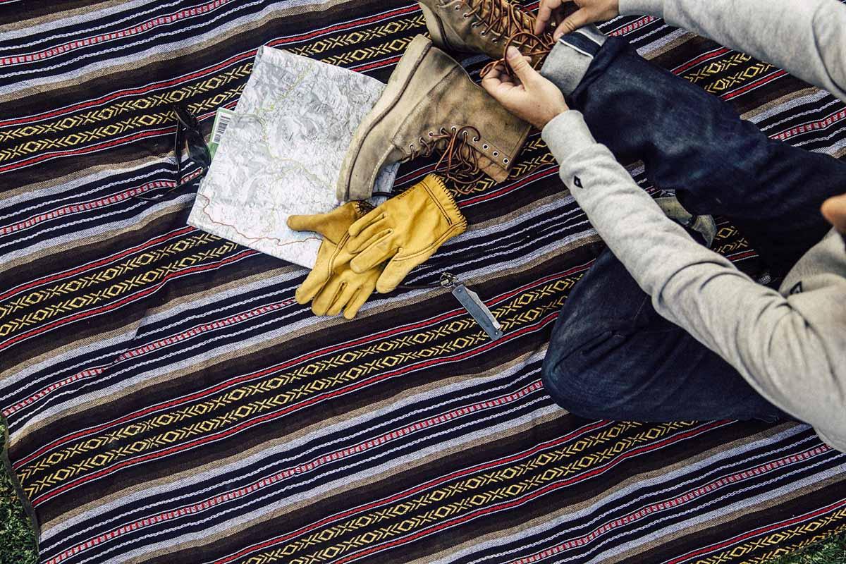 Ein echter Hingucker: Die aus hochwertiger Baumwolle gefertigte Innenseite der Pot'cho-Outdoordecke wurde mit einem traditionell mexikanischen Dekor verziert. Foto: Heldbergs