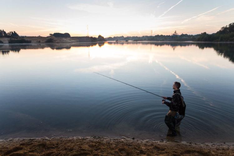 Das Projekt BAGGERSEE hat erste Ergebnisse zum Einfluss des Angelns auf künstliche Gewässer vorgelegt. Foto: Florian Möllers