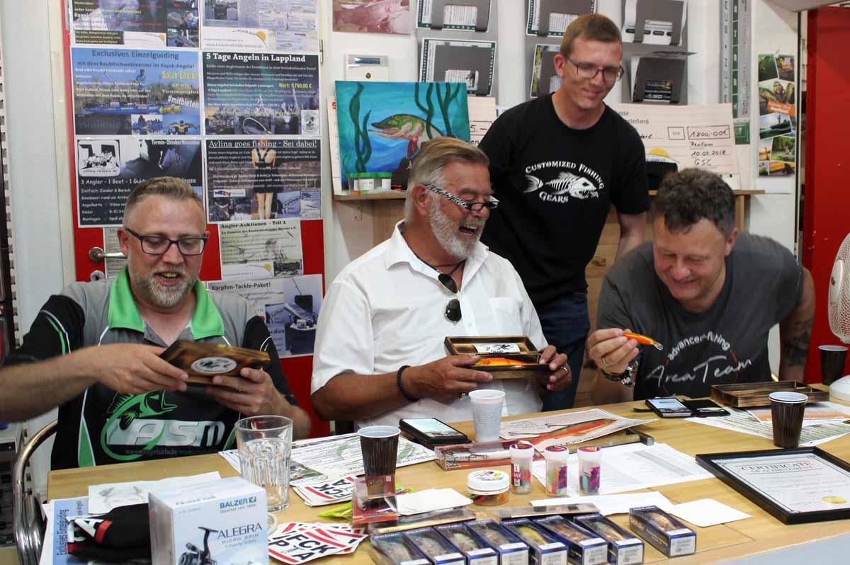 Wie beim letzten Mal wird TV-Moderator Harry Wijnvoord das Team bei einer der Live-Auktionen unterstützen. Foto: CaJo Angelschule