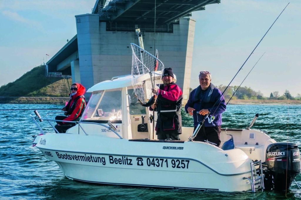 Auch Touristen können in Schleswig-Holstein einen Angelschein erwerben. Der kostet 10 Euro und gilt 28 Tage lang.
