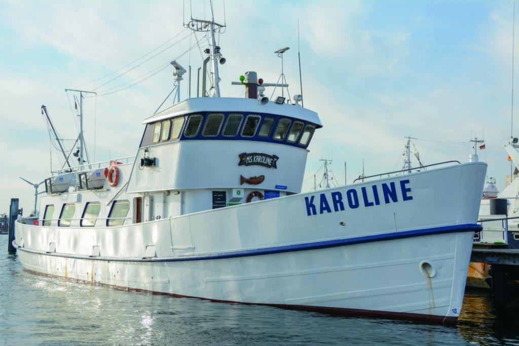 Auf manchen Kuttern kann man in Schleswig-Holstein auch ohne Angelschein angeln. Die Fischereiabgabe muss man trotzdem zahlen!
