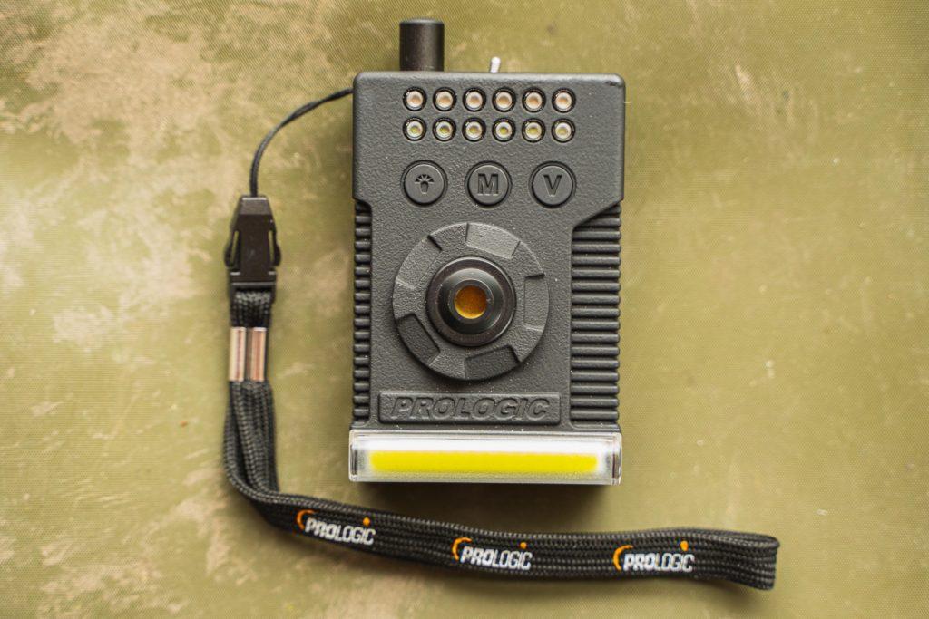 Auch Receiver des Fulcrum RMX-Pro fiel im Test positiv auf. Er ist vollgepackt mit kleinen, schlauen Extras, wie zum Beispiel einem Bivvy Light.