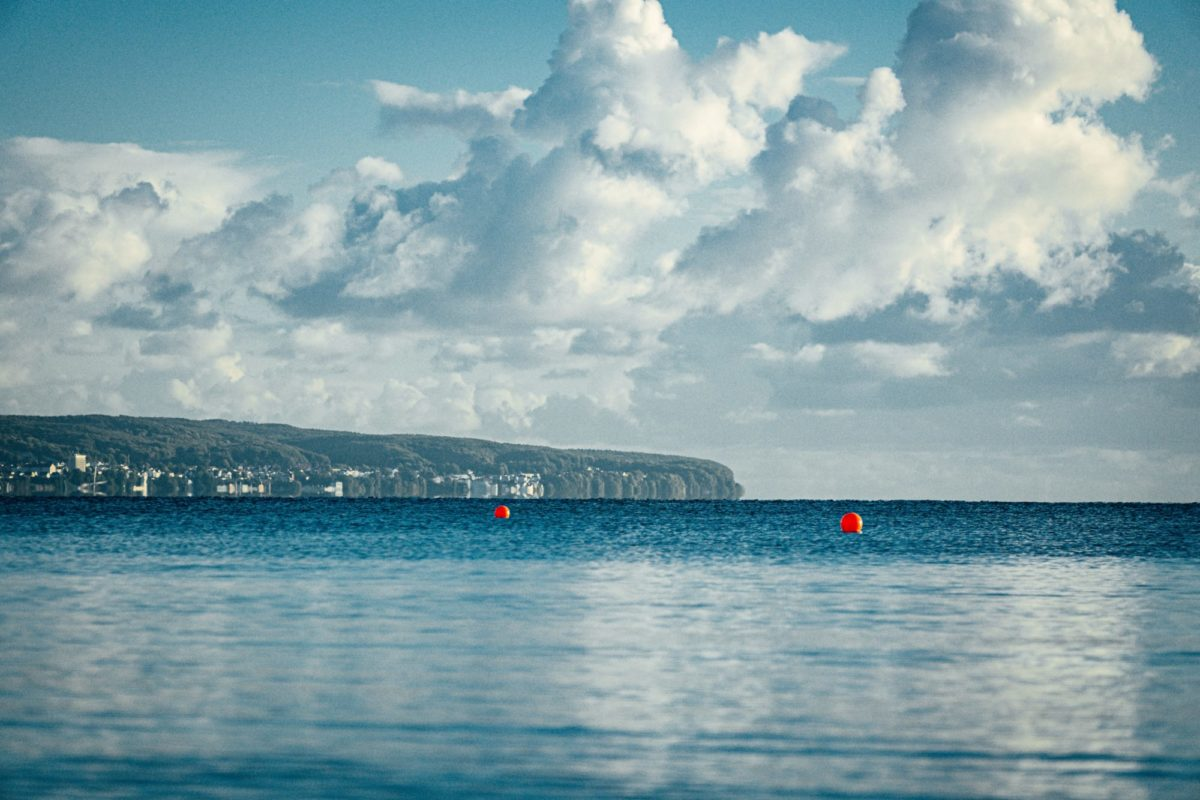 Rügen: Die Ostsee vor den berühmten Kreidefelsen