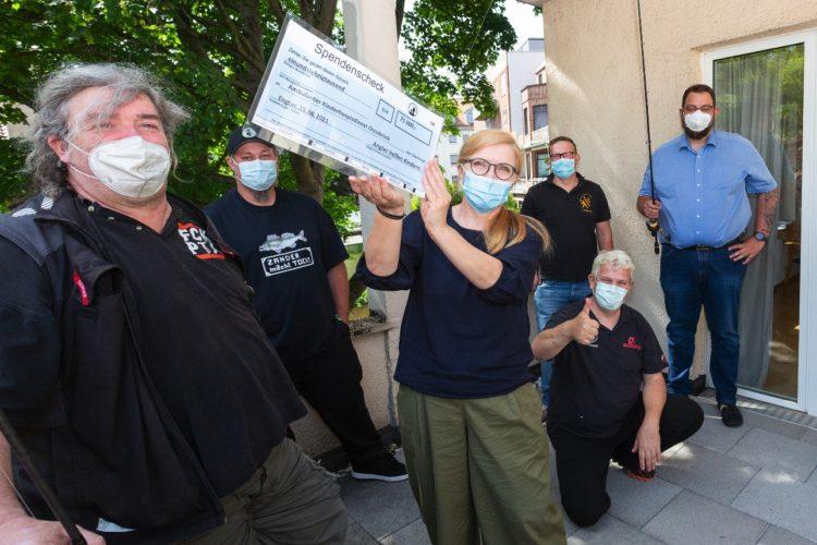 """In der Auktion """"Angler helfen Kindern"""" kamen insgesamt 71.000 Euro zusammen. Die Spenden gehen an den ambulanten Kinderhospizdienst Osnabrück. Foto: AVN"""
