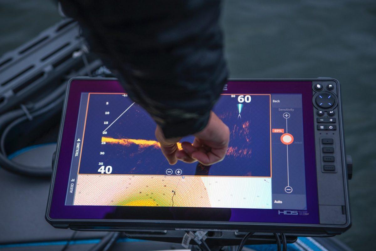 Die ActiveTarget-Technologie von Lowrance macht die Bedienung eines Echolots so einfach wie nie zuvor! Rainer Korn zeigt im Livestream, was die neue Technik alles kann. Foto: Lowrance