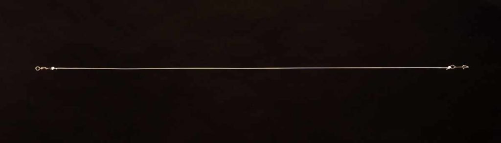 Lassen Sie sich nichts erzählen: Fluorocarbon ist erst ab 0,80 Millimeter als sicher zu betrachten. Ein etwa 70 Zentimeter langes Stück, per Clinch- oder Grinnerknoten mit fünf Wicklungen an Snap und Wirbel geknotet, hält. Foto: F. Pippardt