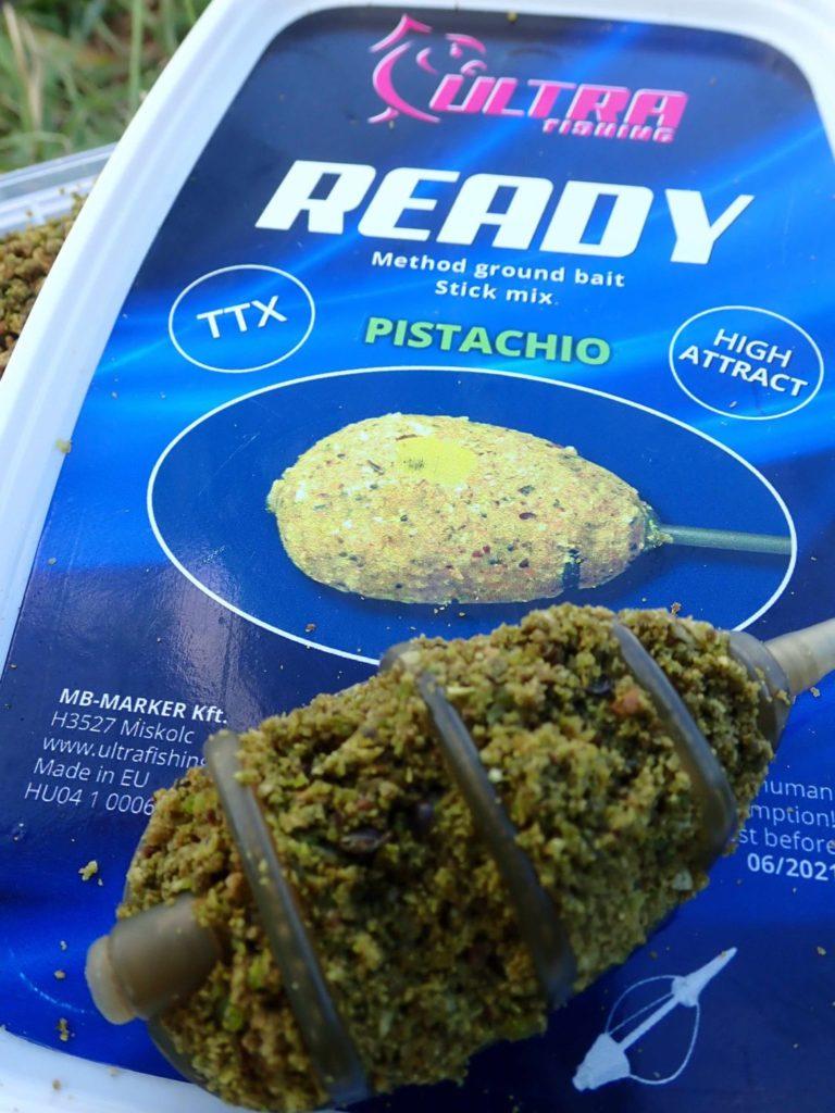 """Gutes Fertigfutter für Methodfeeder, wie """"Ready"""" von Ultrafishing, hält perfekt im Futterkorb. Deckel auf und loslegen, nix muss angerührt werden."""