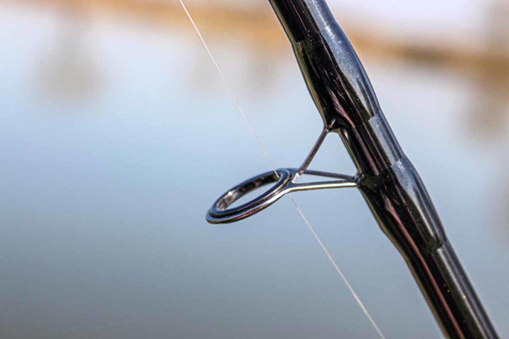 Bestückt ist die Rute mit Titanium-SiC-Ringen. Die Einlage ist so glatt, dass die Schnur keinen Reibungswiderstand aufbauen kann. Foto: A. Pawlitzki