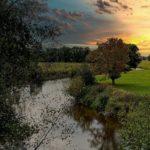 Die Leine bei Garbsen. Die Untere Naturschutzbehörde hatte ein Angelverbot für die Leine gefordert, ohne Belege für die Sinnhaftigkeit liefern zu können. Foto: inextremo96 / Pixabay