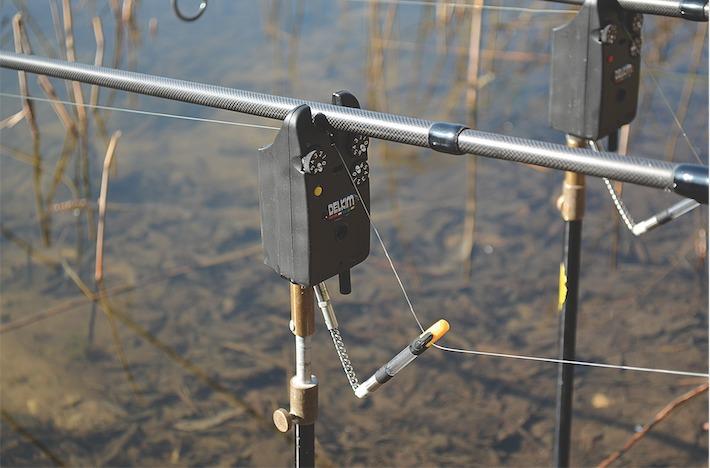 Leichte optische und sensibel einstellbare elektronische Bissanzeiger bilden eine gute Kombination zur Bisserkennung beim Angeln auf Graskarpfen. Foto: T. Talaga