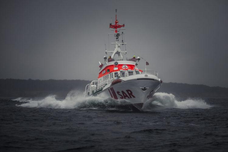 Der Seenotrettungskreuzer ARKONA der DGzRS koordinierte die Suche nach einem vermissten Angler auf der Ostsee. Foto: Die Seenotretter – DGzRS, Thomas Steuer